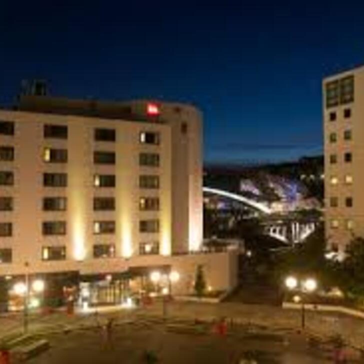 Parque de estacionamento Parking Hôtel IBIS LYON GERLAND MUSÉE DES CONFLUENCES (Couvert) Lyon