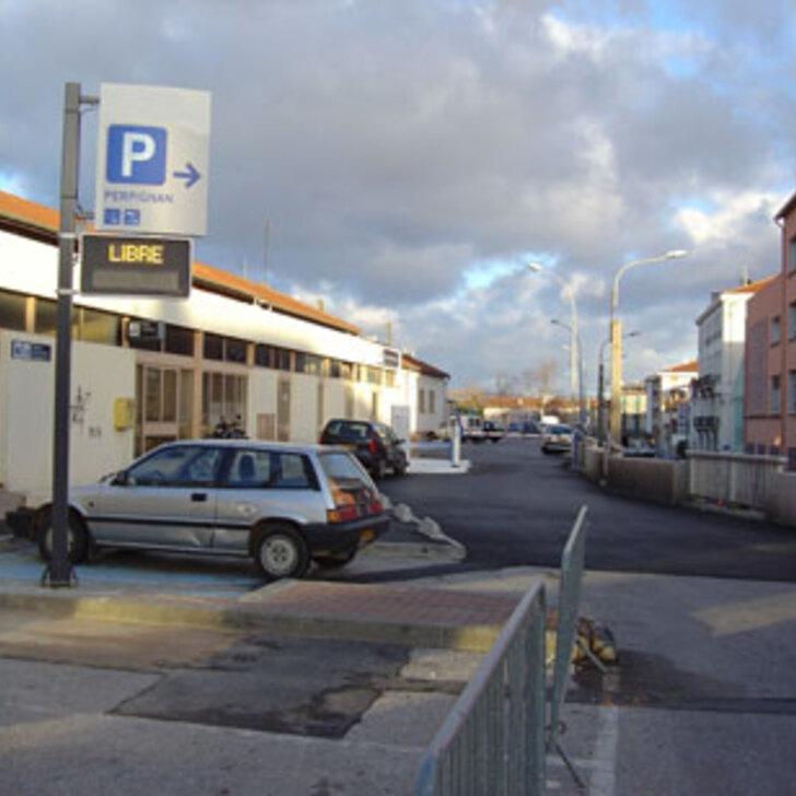 EFFIA GARE DE PERPIGNAN Officiële Parking (Exterieur) PERPIGNAN