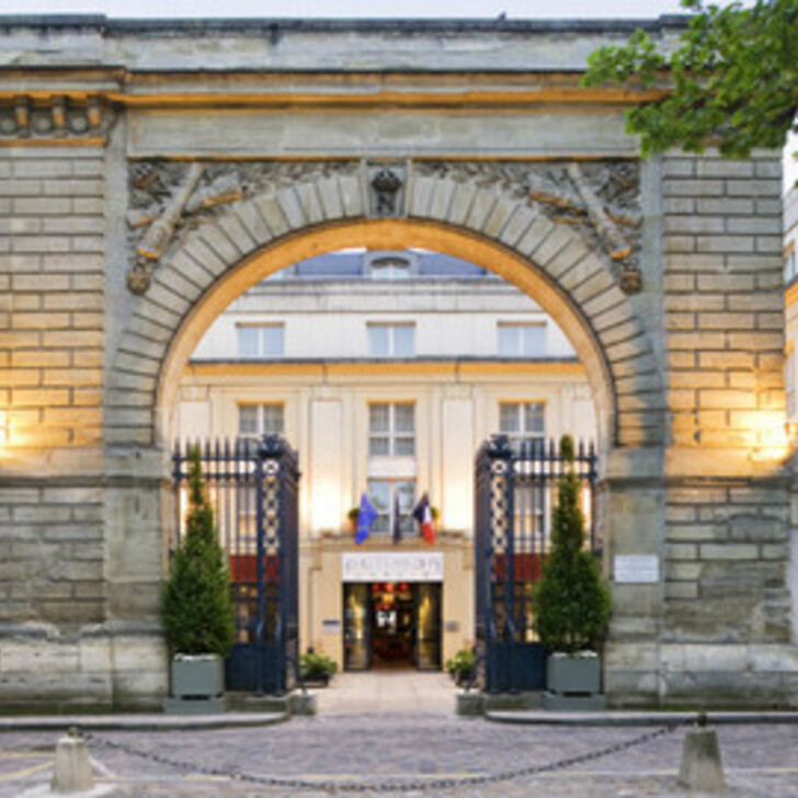 Parking Hotel LE LOUIS VERSAILLES CHÂTEAU - MGALLERY BY SOFITEL (Cubierto) Versailles