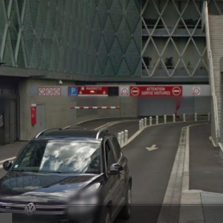 URBIS PARK CENTRE COMMERCIAL BEAUGRENELLE MAGNETIC P1 Openbare Parking (Overdekt) Parkeergarage Paris