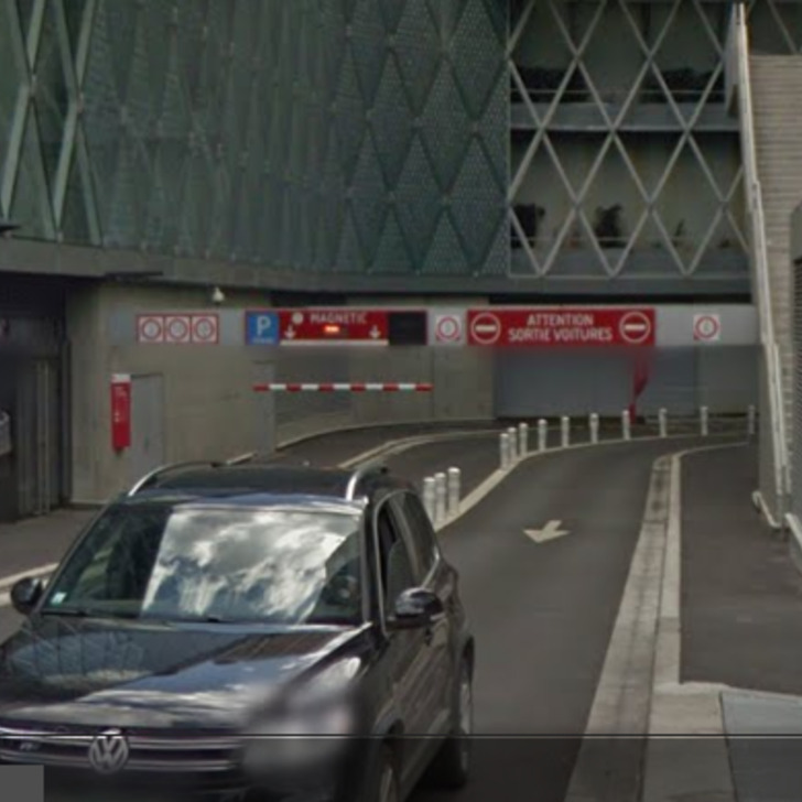 URBIS PARK CENTRE COMMERCIAL BEAUGRENELLE MAGNETIC P1 Public Car Park (Covered) car park Paris