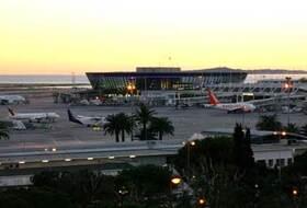Parking Aéroport de Nice-Côte d'Azur à Nice : tarifs et abonnements - Parking d'aéroport   Onepark