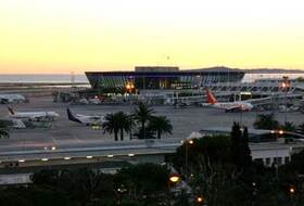 Parking Aeropuerto Nice-Côte d'Azur en Niza : precios y ofertas - Parking de aeropuerto   Onepark