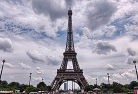 Eiffel Tower car park in Paris: prices and subscriptions - Touristic place car park | Onepark