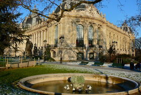 Parking Pequeño palacio en París : precios y ofertas - Parking de museo   Onepark