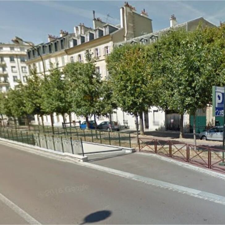 URBIS PARK REINE - RICHAUD Public Car Park (Covered) Versailles