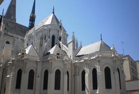 Parkhaus St.-Nikolaus-Basilika : Preise und Angebote - Parken bei einer Touristischen Sehenswürdigkeit | Onepark
