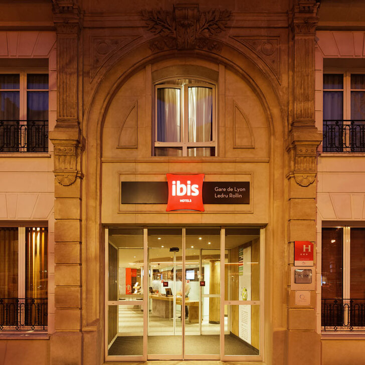 IBIS PARIS GARE DE LYON LEDRU ROLLIN 12ÈME Hotel Car Park (Covered) car park Paris