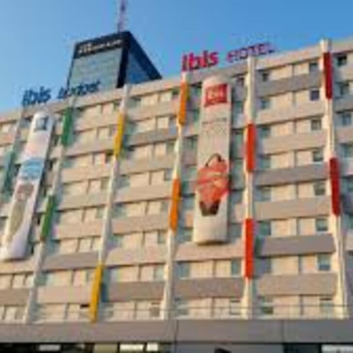 IBIS PARIS PORTE DE BAGNOLET Hotel Parking (Overdekt) Parkeergarage Bagnolet
