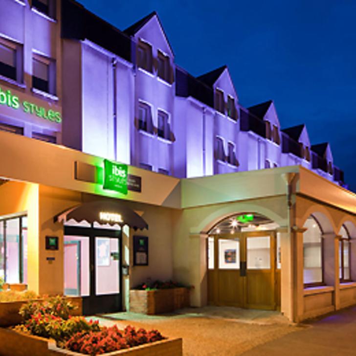Hotel Parkhaus IBIS STYLES BLOIS CENTRE GARE (Überdacht) Blois