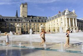 Parking Palacio de los duques y estados de Borgoña : precios y ofertas - Parking de lugar turístico | Onepark