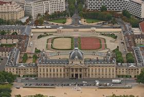 École Militaire car park in Paris: prices and subscriptions - Neighborhood car park | Onepark
