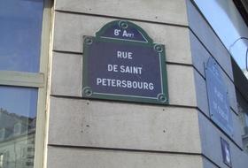Parking L'Europe à Paris : tarifs et abonnements - Parking de quartier | Onepark