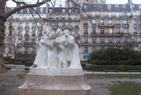 Parking Rochechouart à Paris : tarifs et abonnements - Parking de quartier | Onepark