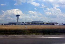 Parkeerplaats dicht bij de luchthaven Bordeaux Mérignac : tarieven en abonnementen - Parkeren in de luchthaven | Onepark