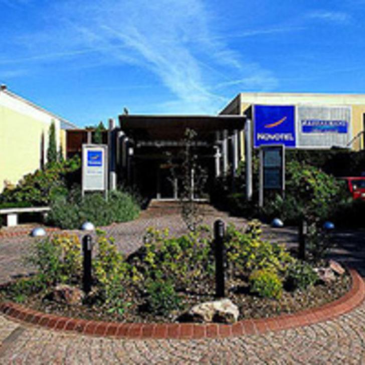 NOVOTEL ROUEN SUD Hotel Car Park (External) car park Saint-Étienne-du-Rouvray