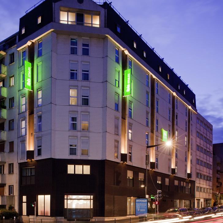 Era Mairie De Montreuil Montreuil: Parking Hotel IBIS STYLES PARIS MAIRIE DE MONTREUIL