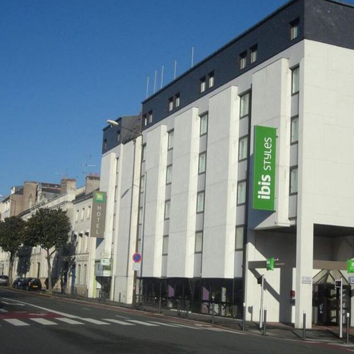 IBIS STYLES ANGERS CENTRE GARE Hotel Parking (Exterieur) Parkeergarage Angers