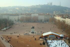 Bellecour car park in Lyon: prices and subscriptions - Neighborhood car park | Onepark