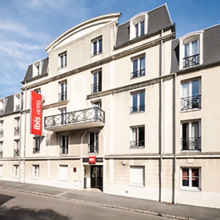 Parking Hotel IBIS VALENCIENNES (Exterior) Valenciennes