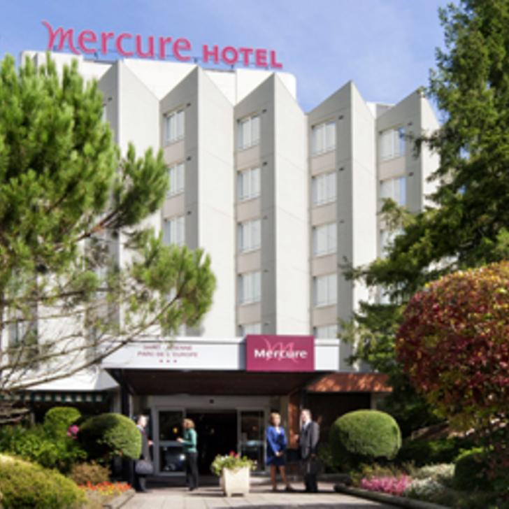MERCURE SAINT-ÉTIENNE PARC DE L'EUROPE Hotel Parking (Exterieur) Parkeergarage Saint-Etienne