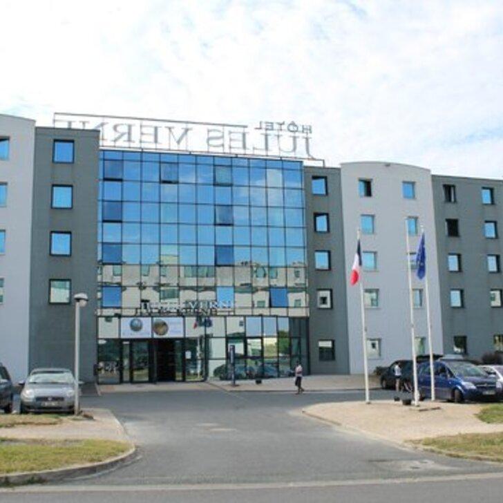 KYRIAD POITIERS JULES VERNE FUTUROSCOPE Hotel Parking (Exterieur) Chasseneuil Du Poitou