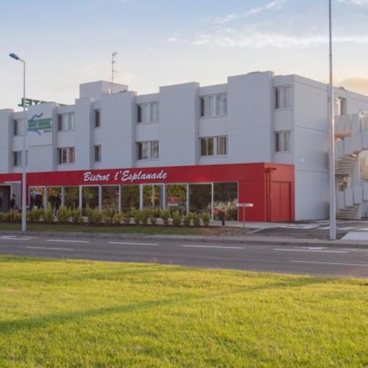 BRIT HOTEL TOULOUSE COLOMIERS – L'ESPLANADE Hotel Parking (Exterieur) Colomiers
