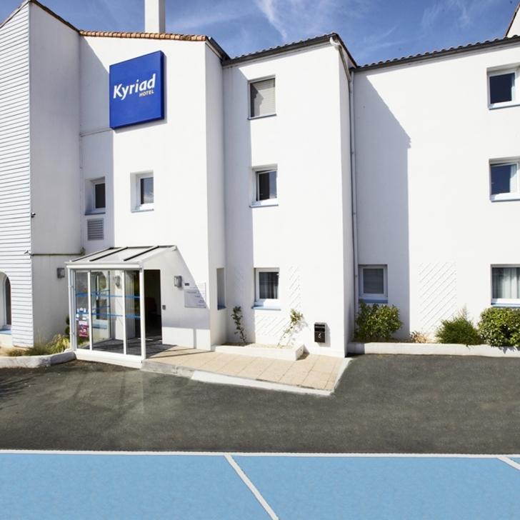Parque de estacionamento Parking Hôtel KYRIAD LA ROCHELLE CENTRE (Extérieur) La Rochelle