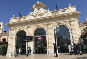Parkhaus Toulon Bahnhof : Preise und Angebote - Parken am Bahnhof   Onepark