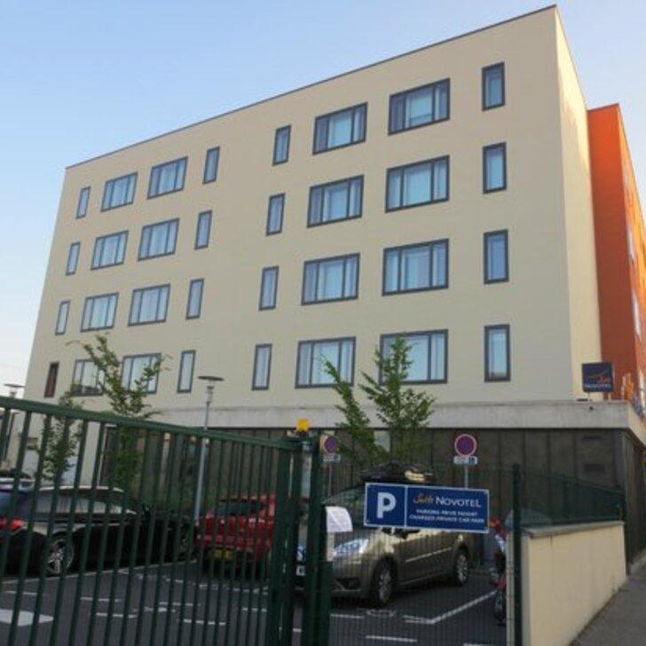NOVOTEL SUITES REIMS CENTRE Hotel Car Park (External) car park Reims