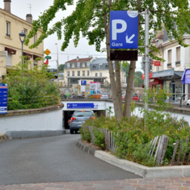 Öffentliches Parkhaus SAEMES GARE DE CHATOU - CROISSY (Überdacht) Chatou