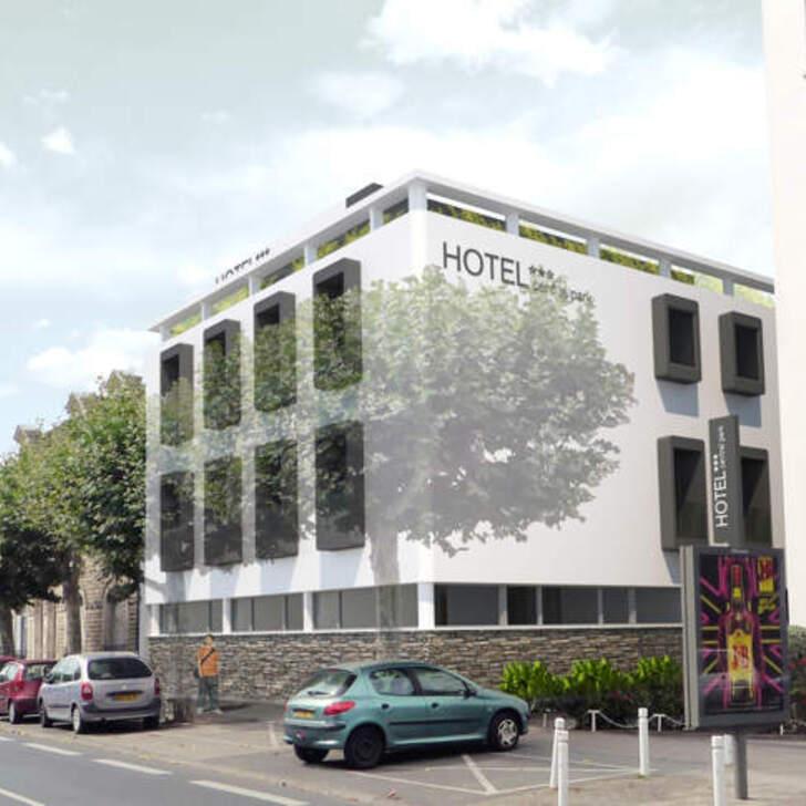 CENTRAL PARK HÔTEL & SPA Hotel Car Park (External) La Rochelle