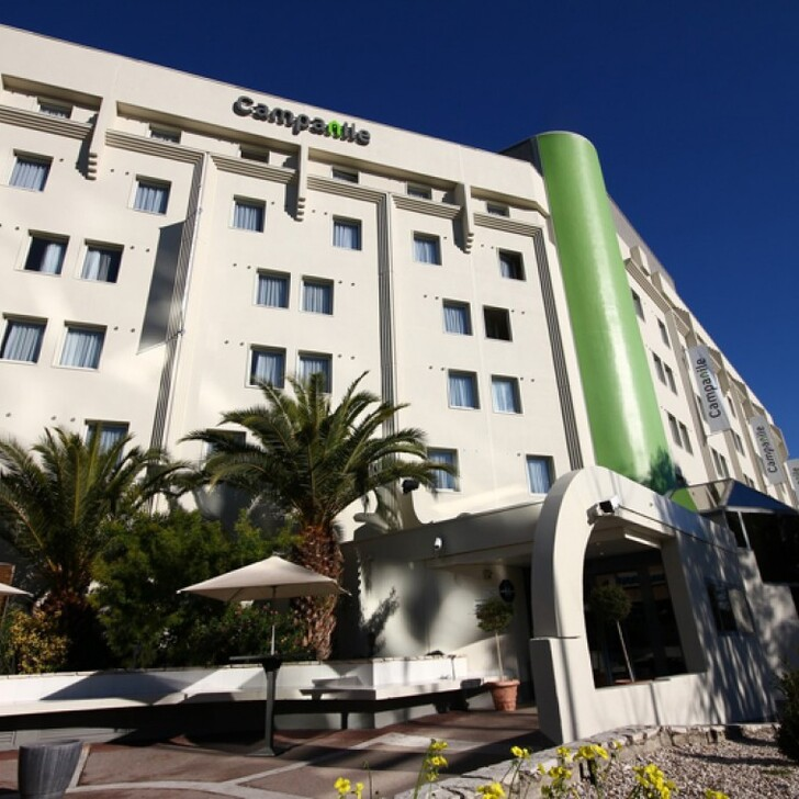 CAMPANILE NICE AÉROPORT Hotel Parking (Overdekt) Parkeergarage Nice