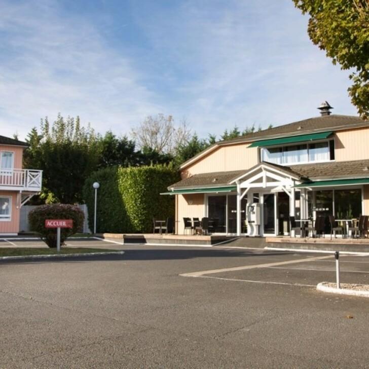 BRIT HOTEL ESSENTIEL ALBI Hotel Parking (Exterieur) Parkeergarage Le Sequestre