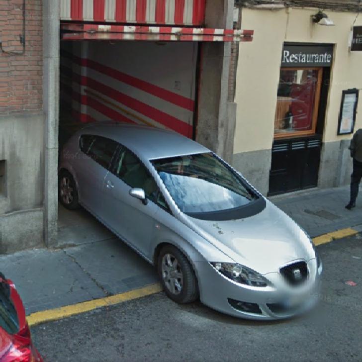 Öffentliches Parkhaus GARAJEGUVA (Überdacht) Parkhaus Madrid