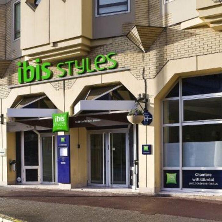 IBIS STYLES LILLE CENTRE GARE BEFFROI Hotel Car Park (External) car park Lille