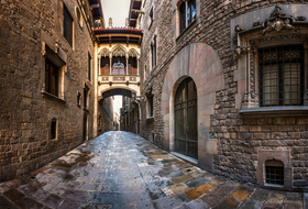 Parking Barrio Gótico en Barcelona : precios y ofertas - Parking de lugar turístico | Onepark