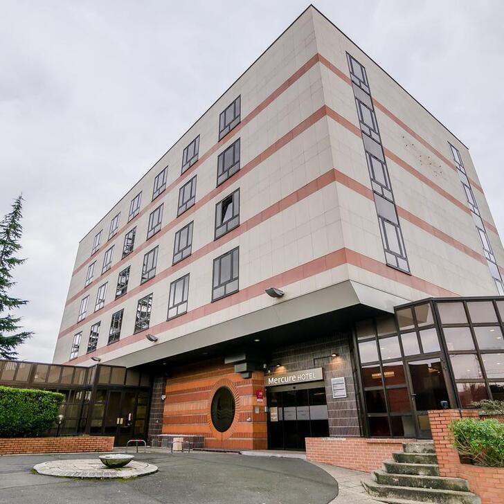 MERCURE CERGY-PONTOISE CENTRE Hotel Car Park (Covered) car park Cergy