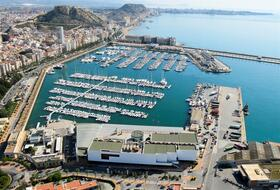 Parking Puerto Alicante à Alicante : tarifs et abonnements - Parking de port | Onepark