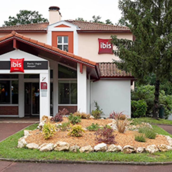 IBIS BIARRITZ ANGLET AÉROPORT Hotel Parking (Exterieur) Anglet