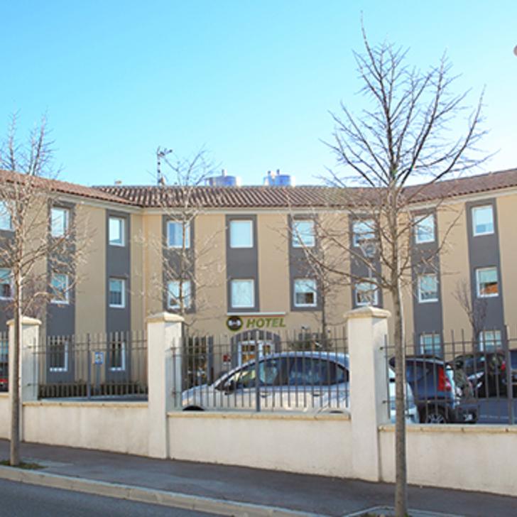 Parking Hôtel B&B AIX-EN-PROVENCE LE THOLONET (Extérieur) Le Tholonet
