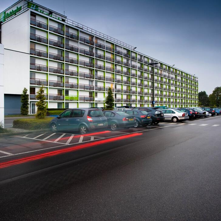 HOLIDAY INN BRUXELLES AÉROPORT Hotel Parking (Exterieur) Parkeergarage Bruxelles