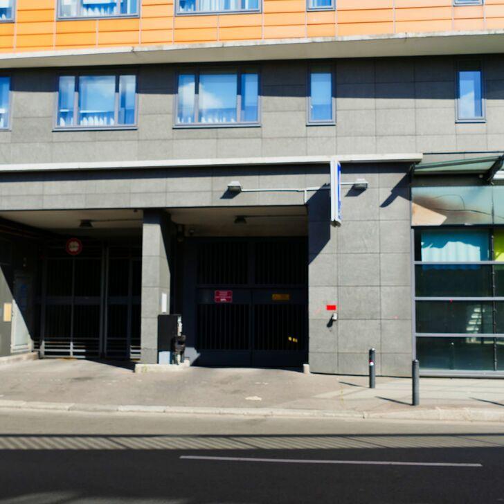 NOVOTEL SUITES PARIS NORD 18ÈME Hotel Parking (Overdekt) Parkeergarage Paris