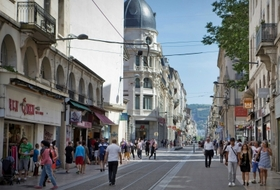 Parking Centre-ville de Saint-Étienne à Saint-Étienne : tarifs et abonnements - Parking de centre-ville | Onepark