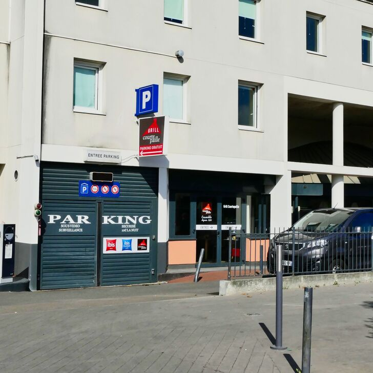 IBIS ORLY CHEVILLY TRAM 7 Hotel Car Park (Covered) car park Chevilly-Larue