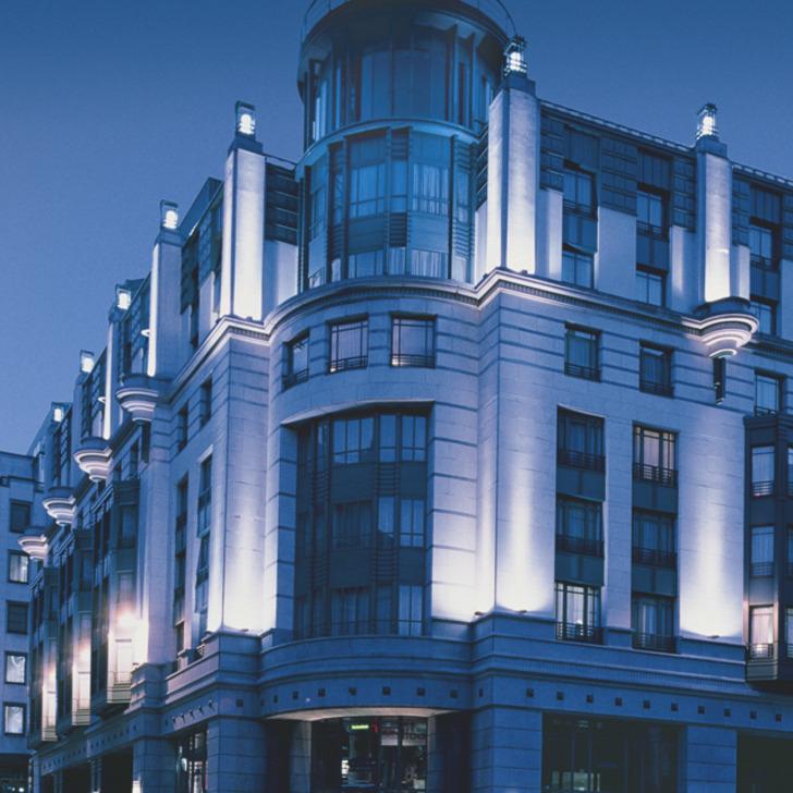 Hotel Parkhaus RADISSON BLU ROYAL HOTEL (Überdacht) Bruxelles
