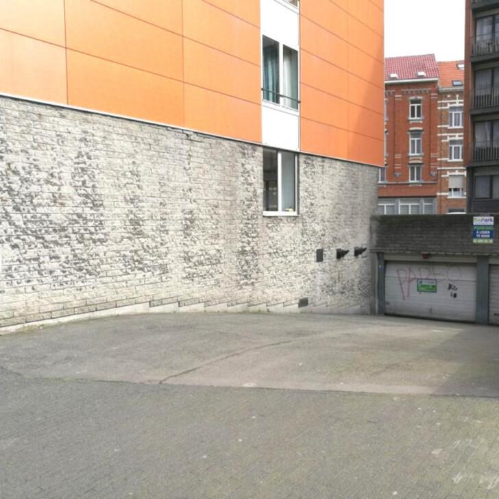 Öffentliches Parkhaus BEPARK PLACE DE HELMET - SQUARE APOLLO (Überdacht) Schaerbeek