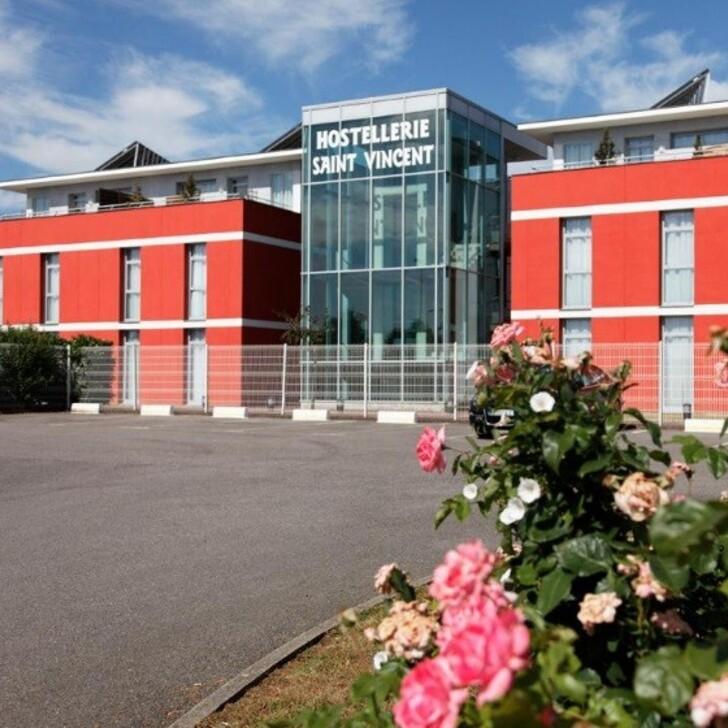 Parque de estacionamento Parking Hôtel HOSTELLERIE SAINT-VINCENT (Extérieur) Beauvais