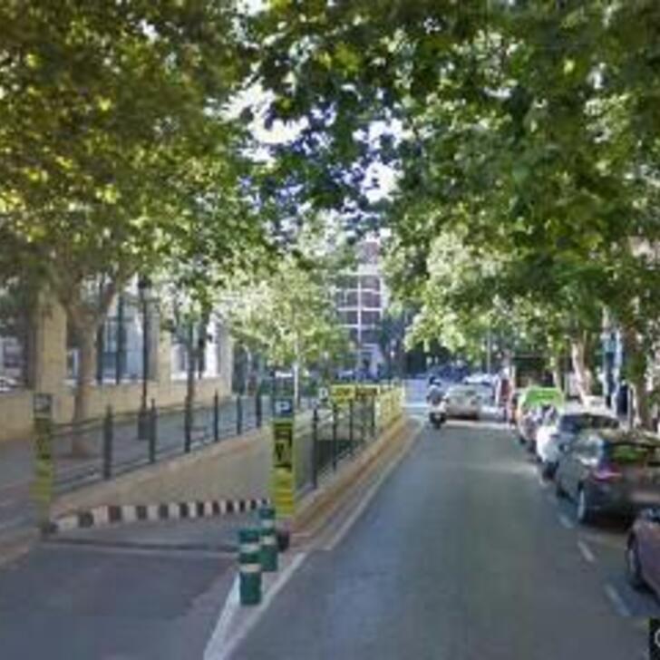 Öffentliches Parkhaus APK80 NAVARRO LLORENS (Überdacht) Parkhaus Valencia