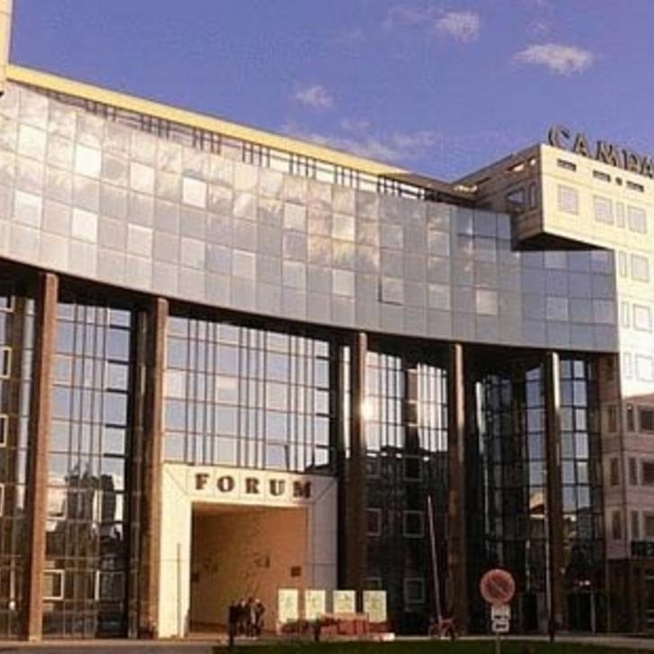 CAMPANILE LYON CENTRE - GARE PART-DIEU Hotel Parking (Exterieur) Parkeergarage Lyon